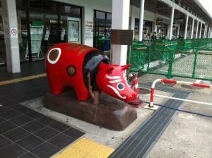 2012_09_09_会津駅_赤ベコ