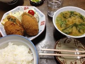 2012_11_11_会津若松_美由紀食堂_カツ餃子定食