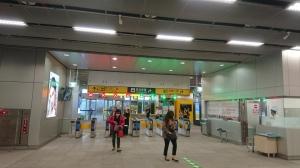 2019_06_09_02_高雄駅1